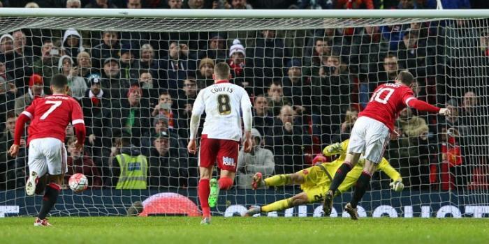 Rooney Bukan Algojo Penalti Pilihan Utama