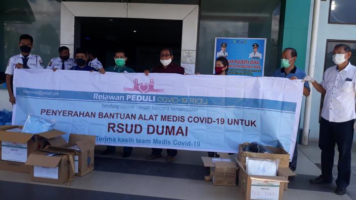 Relawan Peduli Covid-19 Riau Perwakilan Dumai Bantu Alat Medis Untuk RSUD Dumai