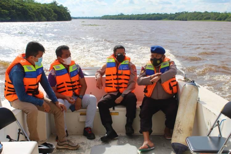 Kapolres Seruyan Gelar Patroli Perairan sebagai Langkah Interaksi Dengan Masyarakat Pesisir