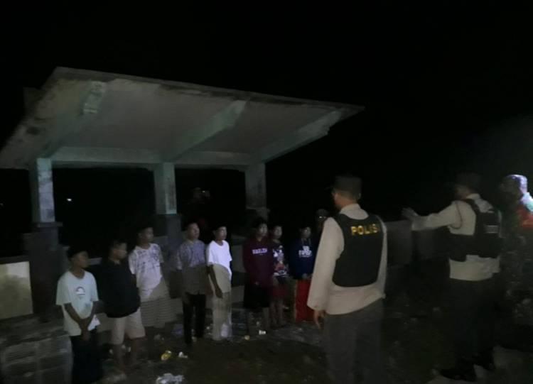Hindari Kerumunan, Sekelompok Remaja Dibubarkan Polisi