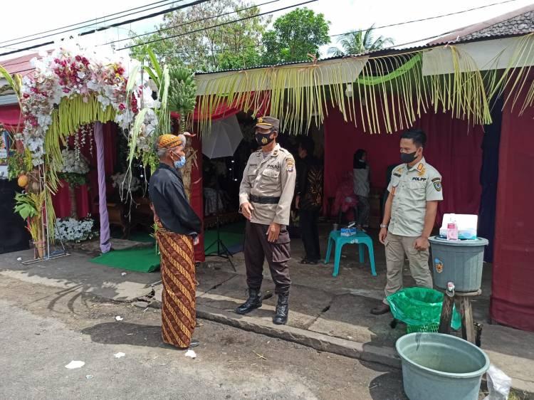 Polres Seruyan Bersama Satpol PP Bubarkan Acara Pernikahan Warga
