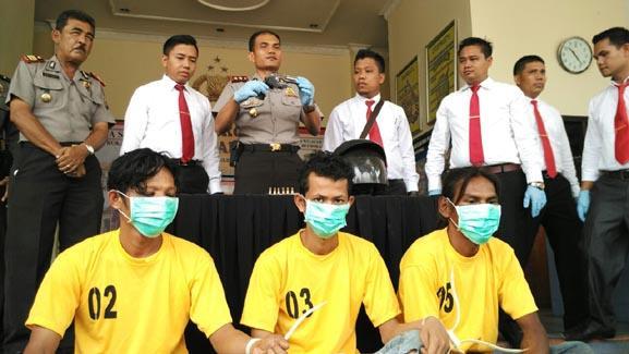 Diduga Tiga Spesialis Perampas Truk TBS Kelapa Sawit Diciduk Polres Rohul