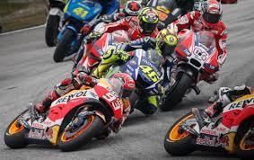 Vinales Juara Pertama Kali di Inggris, Rossi Posisi 3
