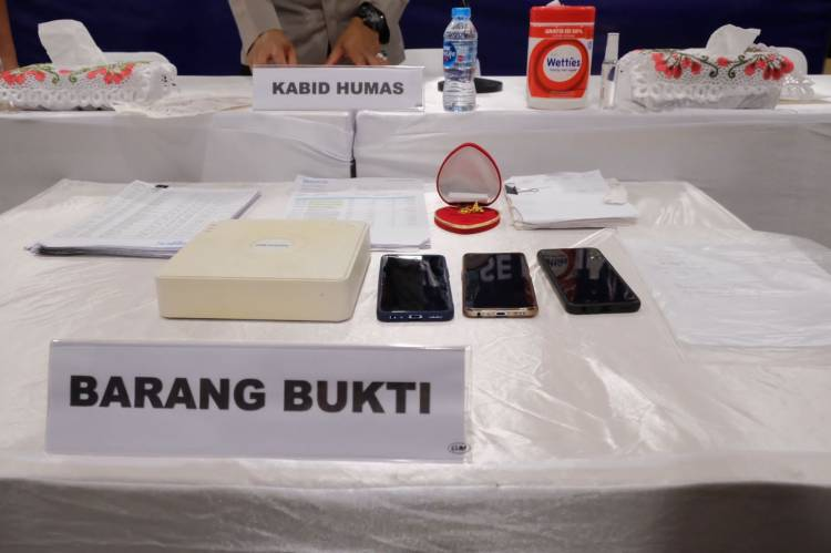 Polda Riau Ungkap Kasus Penggelapan Rp3,7 Miliar