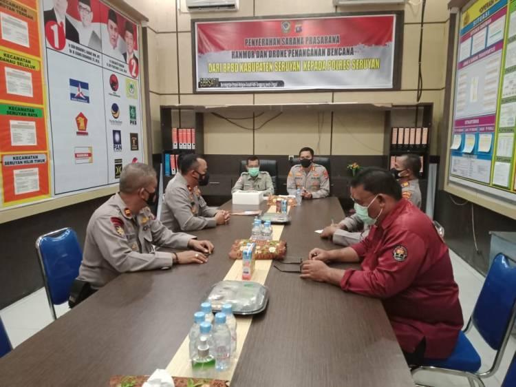 Kapolres Seruyan Menerima Penyerahan Peralatan dan Mesin Dari BPBD Kabupaten Seruyan