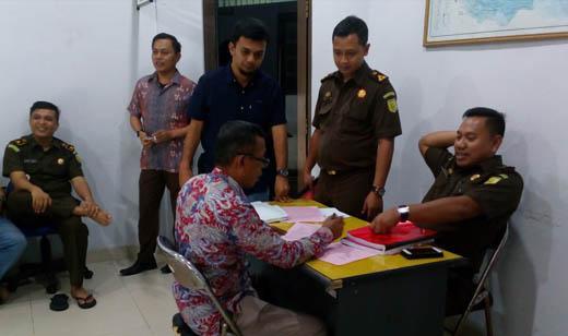 Berkas Anggota DPRD Bengkalis Dilimpahkan ke Kejari