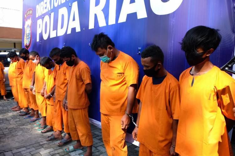 Tim Ditkrimsus Polda Riau Amankan 10 Pelaku Galian C Ilegal