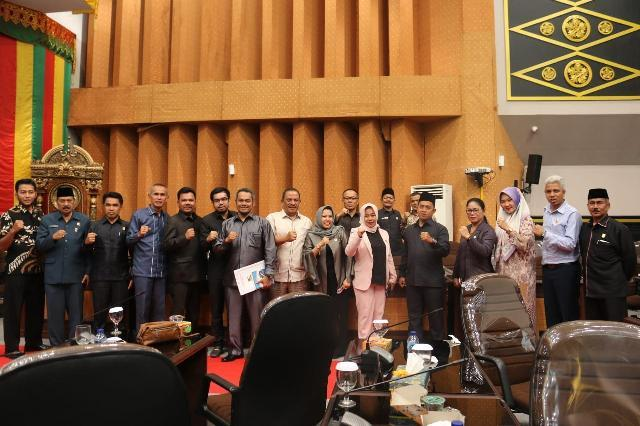 DPRD�Pekanbaru Sidang Paripurna Pembentukan dan Pengesahan AKD