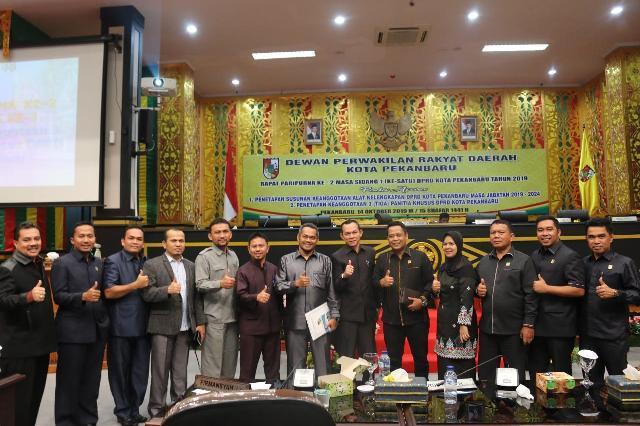 DPRDPekanbaru Sidang Paripurna Pembentukan dan Pengesahan AKD