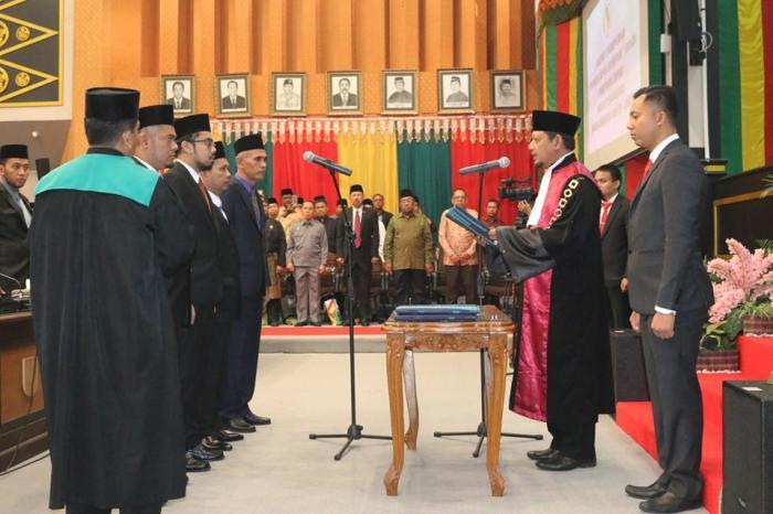 ParipurnaPengucapan Sumpah Janji Pimpinan DPRD Pekanbaru